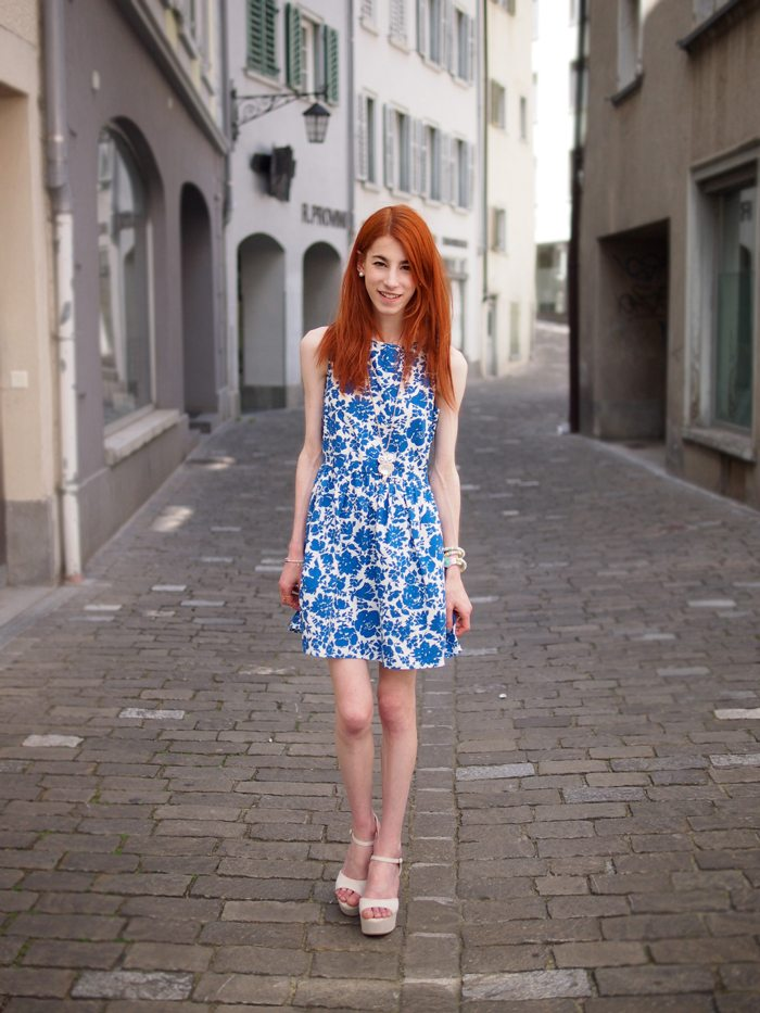 P6090420web Blue Flower Dress