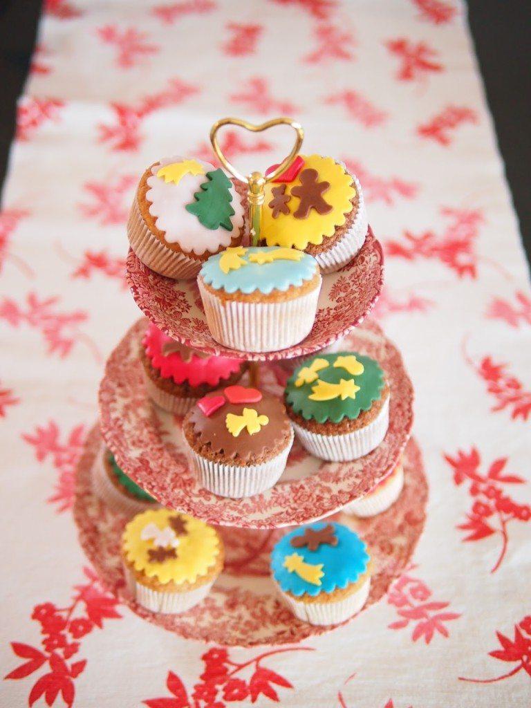 PB284744-768x1024 Christmas Market & Cupcakes
