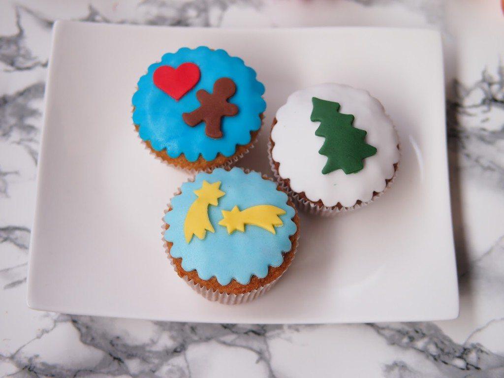 PB284764-1024x768 Christmas Market & Cupcakes