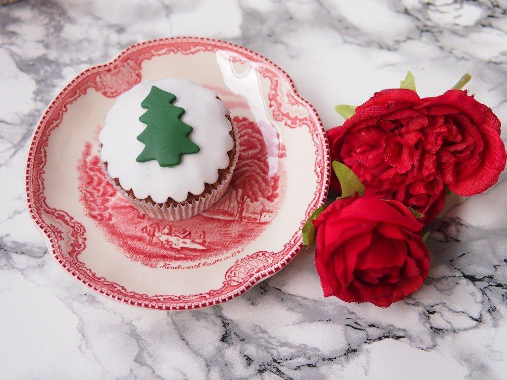 PB284792-1024x768 Christmas Market & Cupcakes