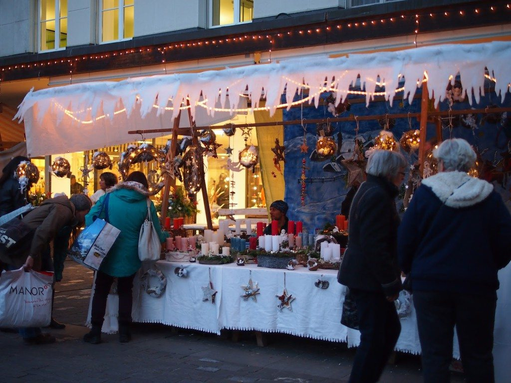 PB284831-1024x768 Christmas Market & Cupcakes